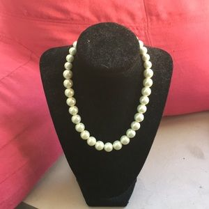 Trendy Chunky Faux Pearl Necklace